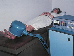 Woman_Getting_Treatment05
